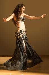 Rachael at the RaqsW6 bellydance show in Wolverhampton